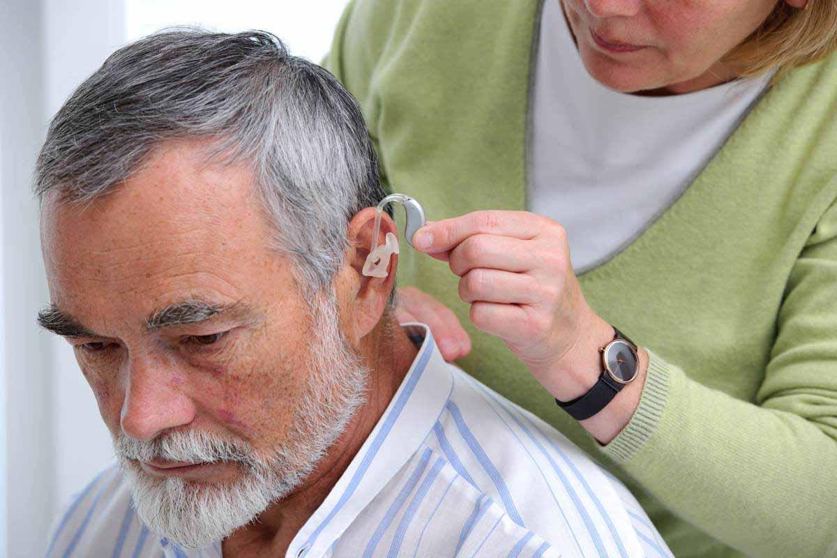 A hallásvesztés jeleit követően, a hallástámogatás rendkívüli jelentőséggel bír.